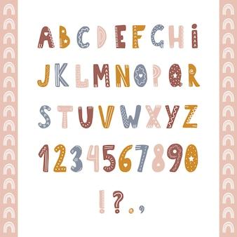 Hand gezeichnetes alphabet im boho-stil