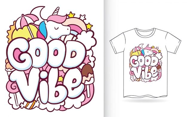 Hand gezeichnetes einhorn mit typografiegekritzelkunst für t-shirt