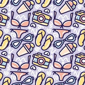 Hand gezeichnetes gekritzelmuster des satzes, der sommer am strand mit ikonen und gestaltungselementen spielt