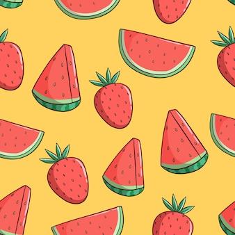 Hand gezeichnetes nahtloses muster von wassermelone und erdbeere
