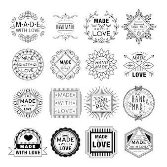 Handgemachte embleme im linearen stil set