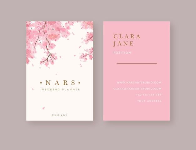 Handgezeichnete aquarell rosa blätter sakura-baum visitenkartenvorlage