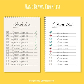 Handgezeichnete checklisten mit verschiedenen designs