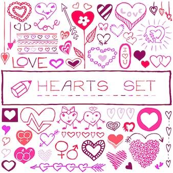 Handgezeichnete herzsymbole, pfeile, blumen. grafikdesign grunge-skizze-stilelemente für valentinstag, geburtstagskarte, babyparty, hochzeitseinladung, app, infografiken, poster. vektor-illustration