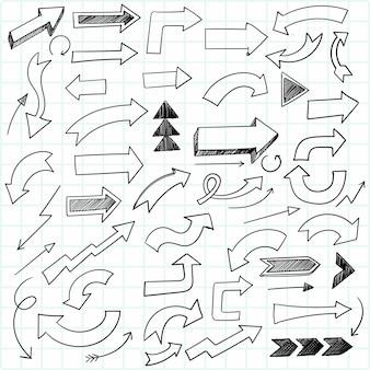 Handgezeichnete kreative gekritzelpfeil-set-skizze