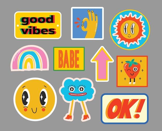 Handgezeichnete vektorgrafiken von verschiedenen patches, pins, stempeln oder aufklebern mit abstrakten lustigen niedlichen comicfiguren.