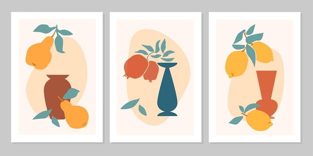Handgezeichnetes abstraktes boho-poster mit tropischer frucht zitrone, birne, vase, granatapfel isoliert. flache vektorgrafik. design für muster, logo, poster, einladung, grußkarte