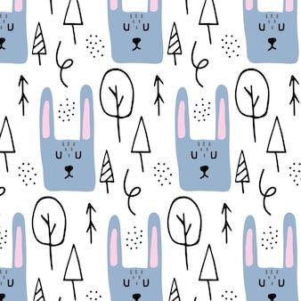 Handgezeichnetes nahtloses muster der vektorkinder mit hasen muster mit einem hasenkopf und -bäumen
