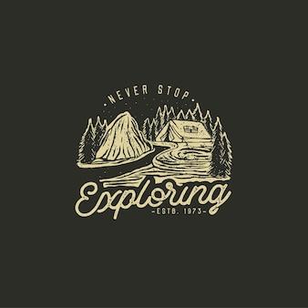 Handgezeichnetes wildnis-abzeichen mit berglandschaft
