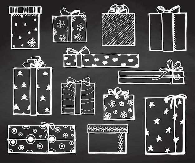 Handzeichnungsvektorsatz mit geschenken. geschenke für verschiedene feiertage. an silvester, weihnachten, geburtstag, valentinstag und anderen.