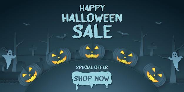 Happy halloween sale, sonderangebot, kürbiskopf, friedhof, geist mit text, papierkunststil