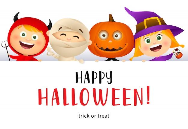 Happy halloween schriftzug und süße kinder in monster kostümen