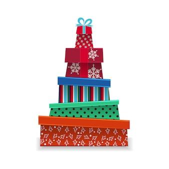 Haufen weihnachtsgeschenke. weihnachtsbaum aus geschenken. isoliert