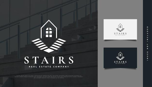 Haus mit treppen-logo-design für die identität der immobilienbranche. bau-, architektur- oder gebäudelogo-design