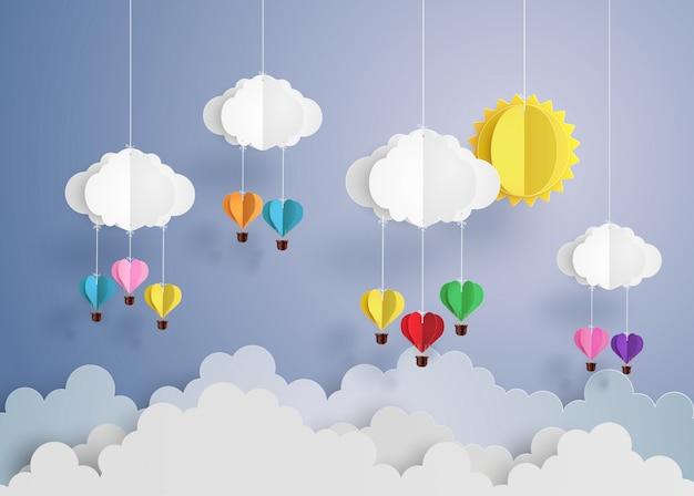 Heißluftballon in herzform.