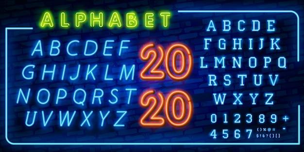 Helle neonalphabetbuchstaben