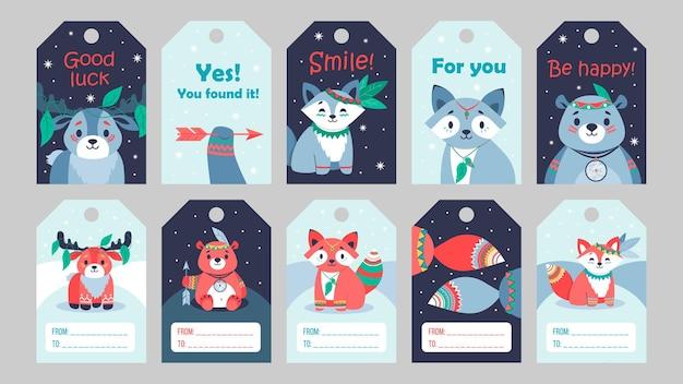Helle spezielle tag-designs mit stammestieren. cartoon niedliche kleine hirsch-, waschbär-, bier- und fuchsfiguren