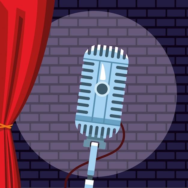 Heller wandziegelstein des mikrofons stehen oben comedy-show