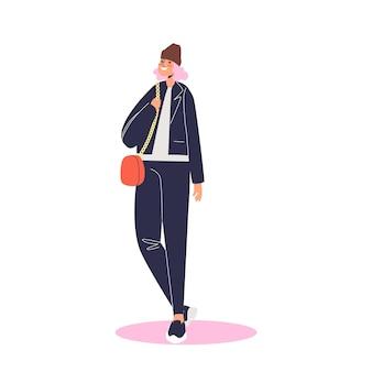 Herbstmode für frauen: junges trendiges mädchen mit stilvollem outfit für die herbstsaison lächelnd