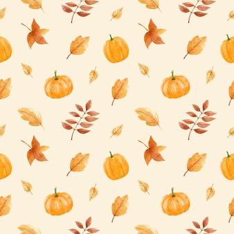 Herbstnahtloses muster mit kürbissen und goldenen blättern Premium Vektoren