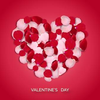 Herzform von rosa und roten realistischen rosafarbenen blumenblättern auf rotem hintergrund. valentinstagkarte mit blütenblättern