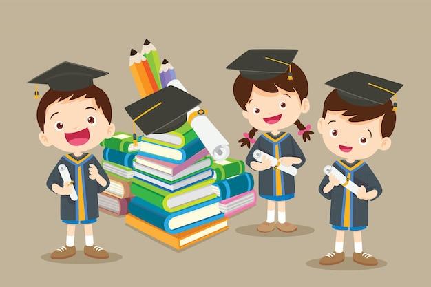 Herzlichen glückwunsch studenten und große bücher