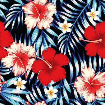 Hibiscusrot und blauer nahtloser hintergrund der palmblätter