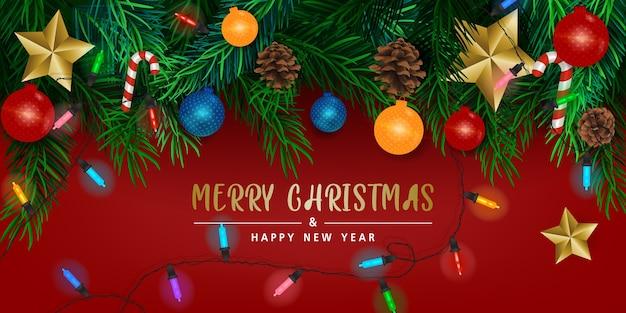 Hintergrund mit weihnachtsbaumzweigen auf rotem hintergrund, karte, banner