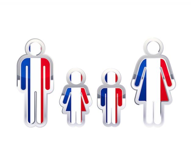 Hochglanzmetallabzeichenikone in mann-, frauen- und kinderformen mit frankreichflagge, infografikelement auf weiß