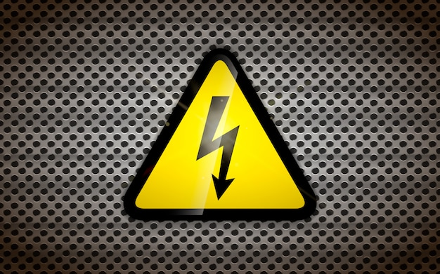 Hochspannungszeichen auf metallischem gitter, industrieller hintergrund