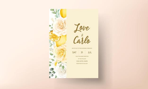 Hochzeitseinladungskarte mit schönen sommerrosen und zitronenkranzrahmen Premium Vektoren