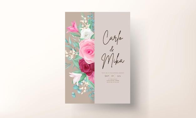 Hochzeitseinladungskarte mit wunderschöner blühender lilie und rosenblume