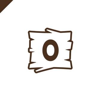 Hölzerne alphabet- oder gussblöcke mit buchstaben o im hölzernen beschaffenheitsbereich mit entwurf.