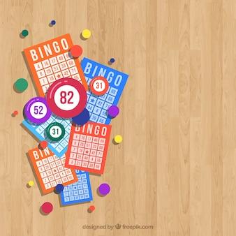 Hölzerner hintergrund mit bingo-stimmzetteln