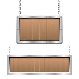 Hölzernes hängendes brett mit metallischer rahmenillustration auf weißem hintergrund
