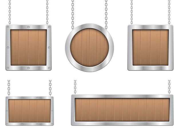 Hölzernes hängendes brett mit metallischer rahmenillustration lokalisiert auf weißem hintergrund