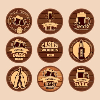 Holz eichenfass schilder. retro vektor kreis alkohol etiketten für café, restaurant, bistro, pub,