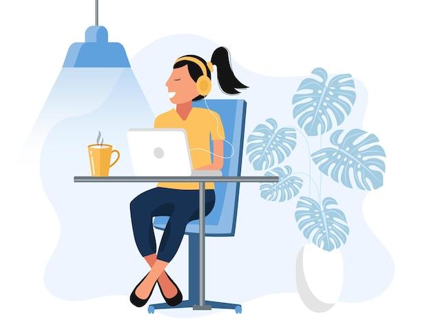 Home-office-illustration mit frau, die auf schreibtisch sitzt