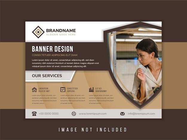 Home security design- und technologie-flyer-design-vorlage verwenden horizontalen mehrfarbigen braunen hintergrund in kombination mit weißen und grauen farben schildform für den raum der fotocollage