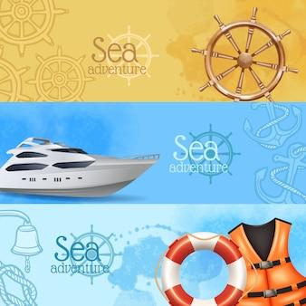 Horizontale realistische fahnen des seeabenteuers und der reise stellten mit yacht und helm ein