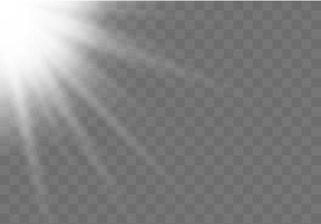 Horizontale sternstrahlen und suchscheinwerfer. sonnenschein. realistisches weißes leuchtendes licht explodiert auf einem transparenten hintergrund. unschärfe im licht der ausstrahlung. illustration für banner, poster und karten