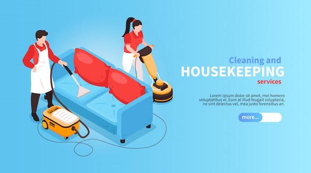 Horizontales banner des isometrischen reinigungsdienstes mit gesichtslosen menschlichen zeichen und couch mit staubsauger und text