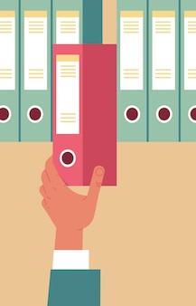 Hr-manager-handbüro, das roten ordner in der vertikalen vektorillustration des personalbeschaffungskonzepts des archivs herauszieht