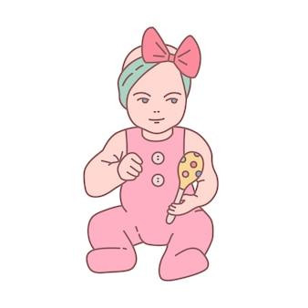 Hübsches neugeborenes baby im strampler, das rassel sitzt und hält. schönes kleines kind oder kleinkind mit spielzeug isoliert auf weißem hintergrund. farbige vektorillustration im modernen linearen stil.