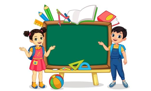 Illustration des kindes mit leerer tafel