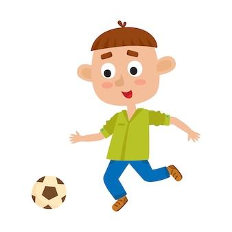 Illustration des kleinen braunhaarigen jungen im hemd und in jeans, die fußball spielen. nettes karikaturkind mit dem fußball lokalisiert auf weißem hintergrund. hübscher fußballspieler. glückliches kind.
