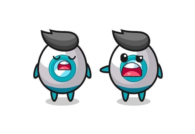 Illustration des streits zwischen zwei süßen raketenfiguren, süßem design für t-shirts, aufkleber, logo-elemente