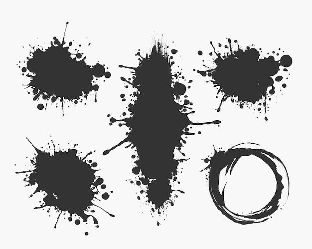 Illustrierte tintenflecken-sammlung in schwarzweiß.