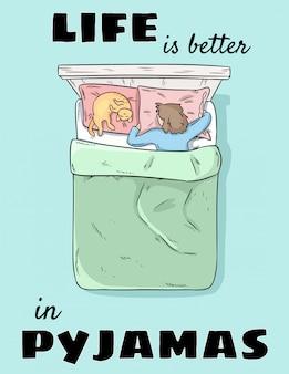 Im schlafanzug ist das leben besser. mädchen, das im bett mit katze in den pyjamas schläft