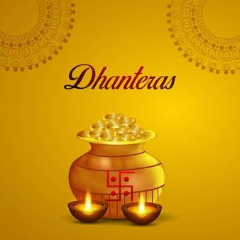 Indisches festival glückliche dhanteras feier grußkarte mit goldmünzentopf auf gelbem hintergrund